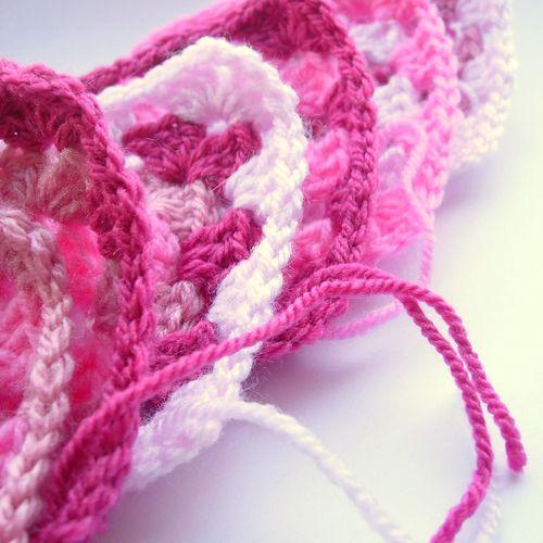 Crochet granny bunting 007