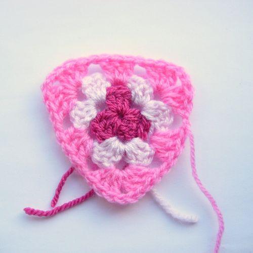 Crochet granny bunting 004